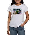 XmasMagic/2 Dachshund (BB) Women's T-Shirt