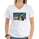 Xmas Magic/2 Labs (Y+B) Women's V-Neck T-Shirt