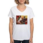 Santa's Newfoundland (br) Women's V-Neck T-Shirt