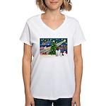 Xmas Magic & Newfie Women's V-Neck T-Shirt