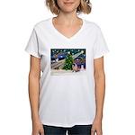 Xmas Magic & Pug Women's V-Neck T-Shirt