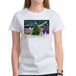 XmasMagic/Schnauzer (W) Women's T-Shirt