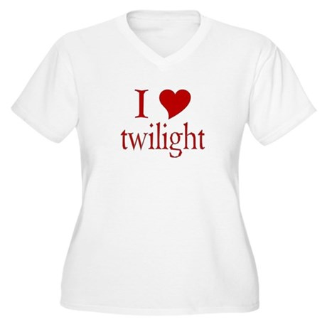 I love (heart) twilight Women's Plus Size V-Neck T
