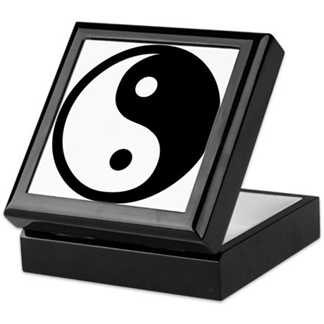 Black and White Yin Yang Bala Keepsake Box