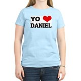Amo (i love) Daniel Women's Pink T-Shirt