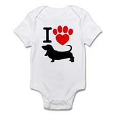 Unique Bassett hound Infant Bodysuit