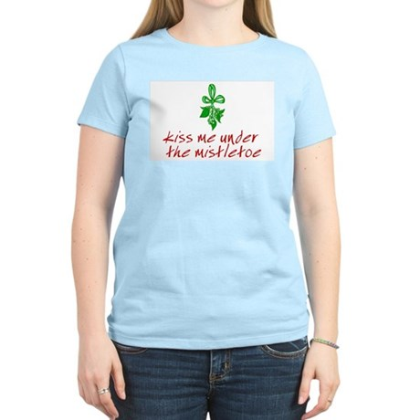 Kiss me under the mistletoe Womens Pink T-Shirt