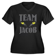 "Wolf Eyes ""Team Jacob"" Women's Plus Size V-Neck Da"