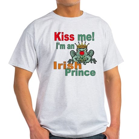Kiss Me Irish Frog Light T-Shirt
