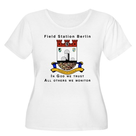 Field Station Berlin Women's Plus Size Scoop Neck