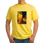 Cafe / Flat Coated Retriever Yellow T-Shirt