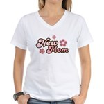 New Mom Women's V-Neck T-Shirt