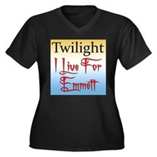 New Moon Women's Plus Size V-Neck Dark T-Shirt