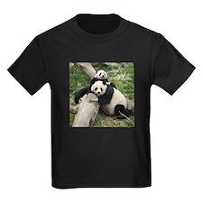 Mom & Baby Giant Pandas Kids Dark T-Shirt