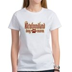 Newfoundland Mom Women's T-Shirt