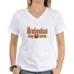 Newfoundland Mom Women's V-Neck T-Shirt