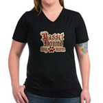 Basset Hound Mom Women's V-Neck Dark T-Shirt
