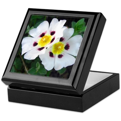 Two White Flowers Keepsake Box