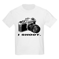"""I shoot"" BW camera Kids T-Shirt"