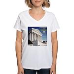 La Corte Suprema Women's V-Neck T-Shirt