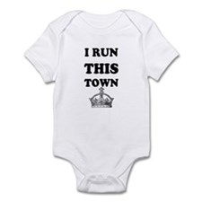 i run this town Infant Bodysuit