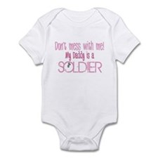Don't mess with me - pink Infant Bodysuit