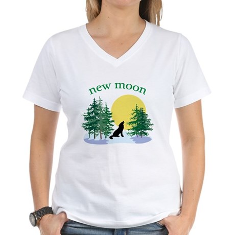 New Moon Howl Women's V-Neck T-Shirt
