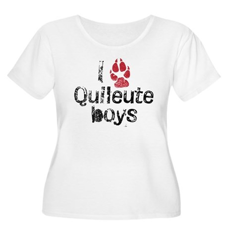 I Paw Quileute Boys Women's Plus Size Scoop Neck T