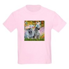 Garden / Two Keeshonds T-Shirt