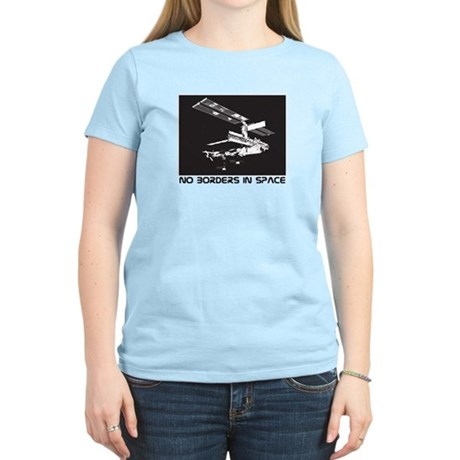no borders in space Women's Light T-Shirt