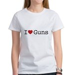 I love guns Women's T-Shirt