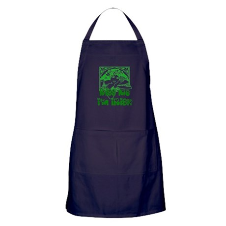 Kiss Me Irish Girl Apron (dark)