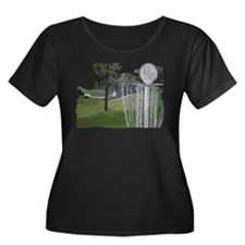 Disc Golf Women's Plus Size Scoop Neck Dark T-Shir