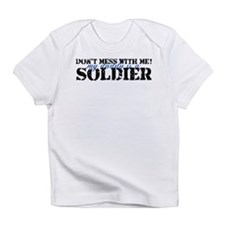 Cute My daddy is a soldier Infant T-Shirt