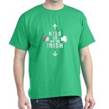 *Funny* Kiss Us We're Irish! - T-Shirt
