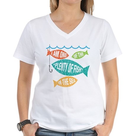 plenty of fish - vintage Women's V-Neck T-Shirt