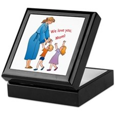 We Love Mom! Keepsake Box