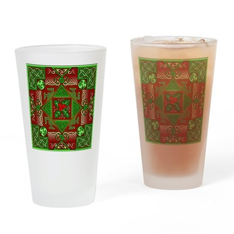 Celtic Labyrinth Holly Pint Glass