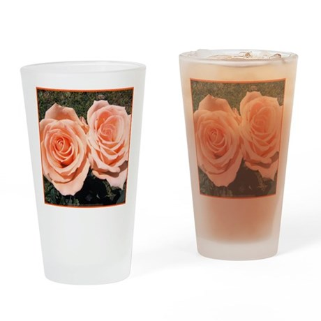 Peach Roses Pint Glass