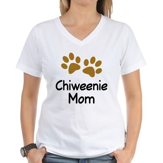 Cute Chiweenie Mom Women's V-Neck T-Shirt
