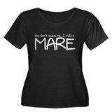 Mare Women's Plus Size Scoop Neck Dark T-Shirt