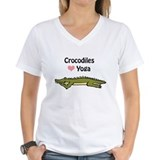 Crocodiles love yoga Shirt