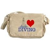 Love (heart) Diving Messenger Bag
