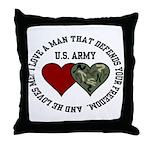 US Army - I love a man that.. Throw Pillow