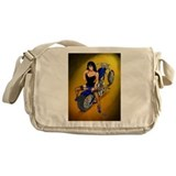 La Belleza Latina Pin-up Messenger Bag
