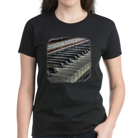 Distressed Vintage Piano Women's Dark T-Shirt