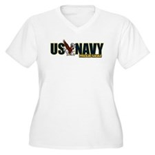 Navy Mom Women's Plus Size V-Neck T-Shirt