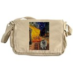 Cafe / Keeshond (F) Messenger Bag