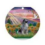 Autumn Angel/Keeshond Ornament (Round)