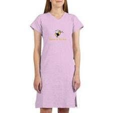 Queen of the hive Women's Nightshirt